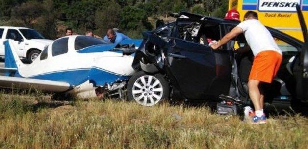 Uçak, aracın üzerine düştü