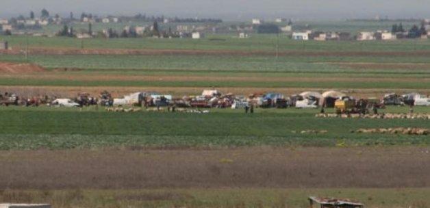 Yüzlerce Türkmen güvenli bölgelere gidiyor