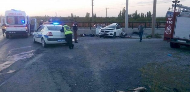 Afyonkarahisar'da feci kaza, 4 kişi hayatını kaybetti