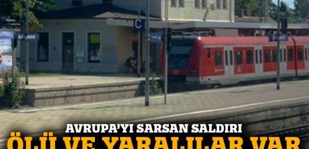Almanya'da tren istasyonunda yolculara bıçaklı saldırı: 1 ölü