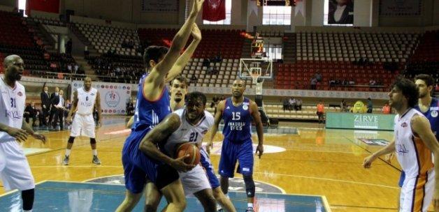 Anadolu Efes çeyrek finalde