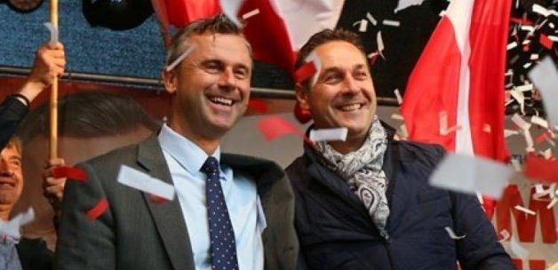 Avusturya'da aşırı sağcı aday Cumhurbaşkanı oldu