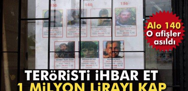 Başına ödül konulan teröristler için ilan asıldı