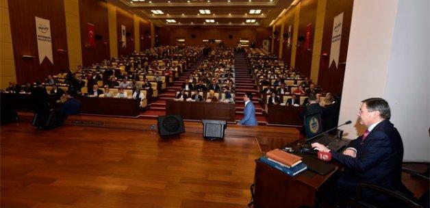 Başkan Gökçek gençlerle Ankara'yı tartışıyor