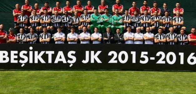 Beşiktaş şampiyonluk pozunu verdi