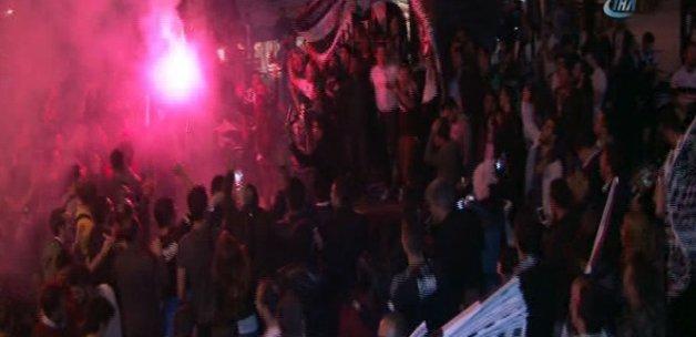 Beşiktaş taraftarı şampiyonluk kutlamalarına erken başladı