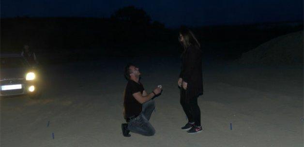 Çılgın aşıktan film gibi evlenme teklifi
