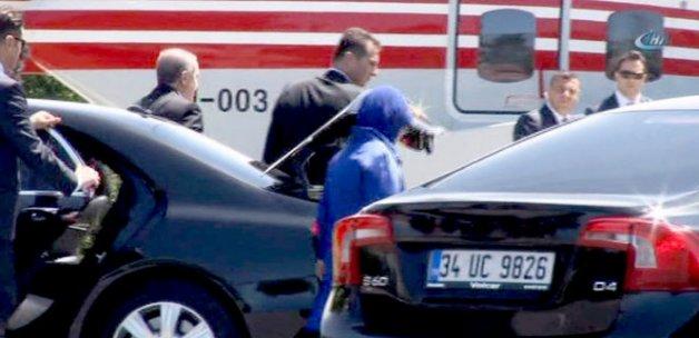 Cumhurbaşkanı Erdoğan, kızının nikâhına helikopterle geldi