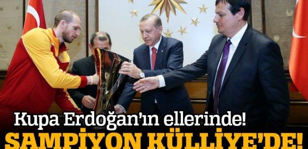 Erdoğan Galatasaray Odeabank Erkek Basketbol Takımı'nı kabul etti