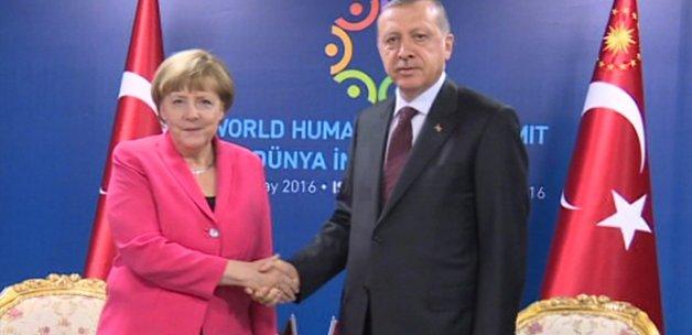 Erdoğan, Merkel ve Rutte'yi kabul etti