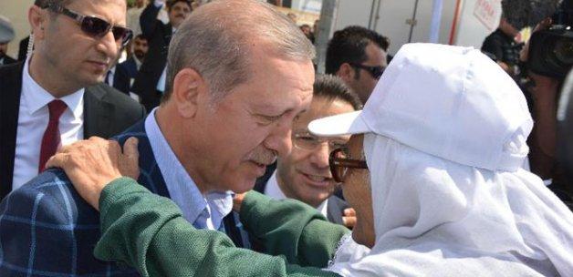 Erdoğan'dan şehit annesine yakın ilgi