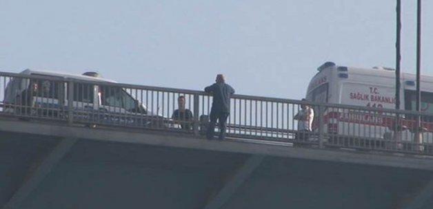 FSM Köprüsü'ndeki intihar girişimi trafiği felç etti!