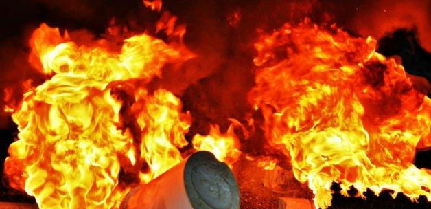 Hindistan'da mühimmat deposunda korkunç yangın: 17 ölü