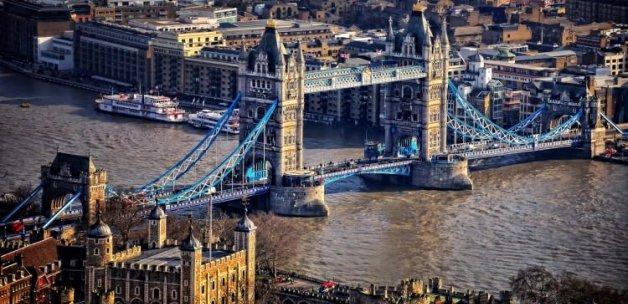 İngiltere'de Hristiyanlar azınlıkta kaldı