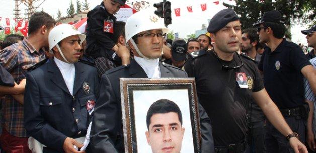 Kahraman polis memuru son yolculuğuna uğurlandı