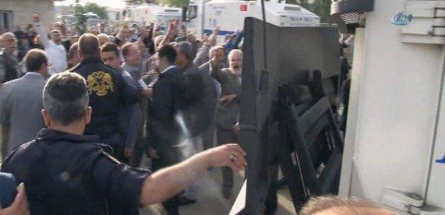 MHP'de kurultay gerginliği! TOMA'lar otel önünde bekletiliyor