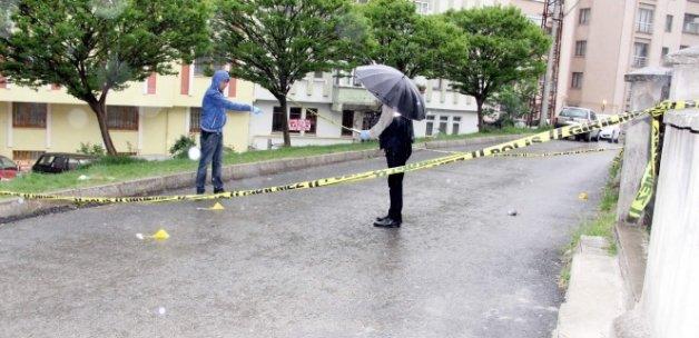 Namaza giderken silahlı saldırıya uğradı