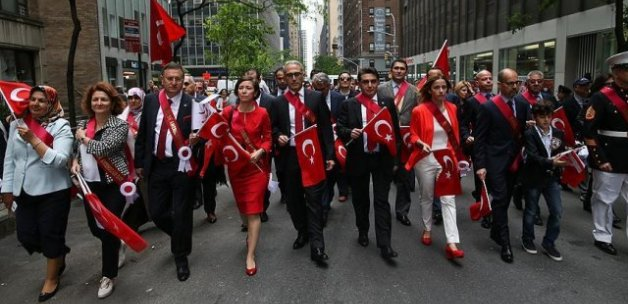 New York'ta Türk günü yürüyüşü gerçekleştirildi