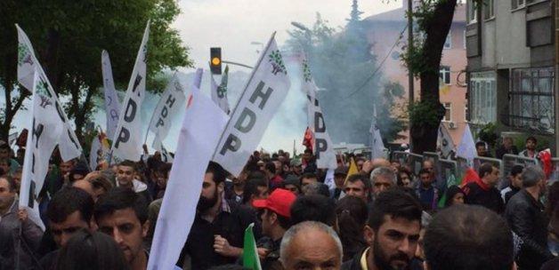 Öcalan'ın posteriyle yürüyen HDP'lilere müdahale!