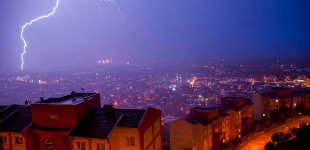 Şiddetli sağanak ve dolu yağışı Bursa'yı felç etti
