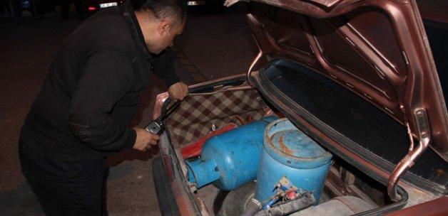 Tüp yüklü araç, bomba paniğine neden oldu