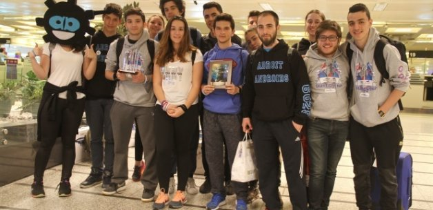 Türk öğrenciler Amerika'dan ödülle döndü