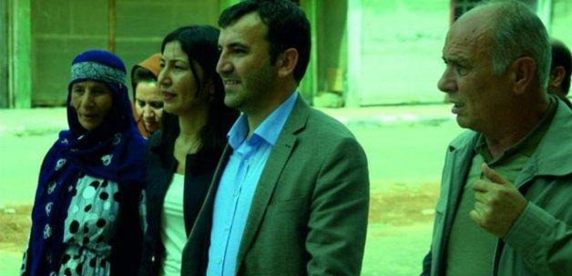 Vatandaşlar HDP'li vekillerin elini bile sıkmadı!