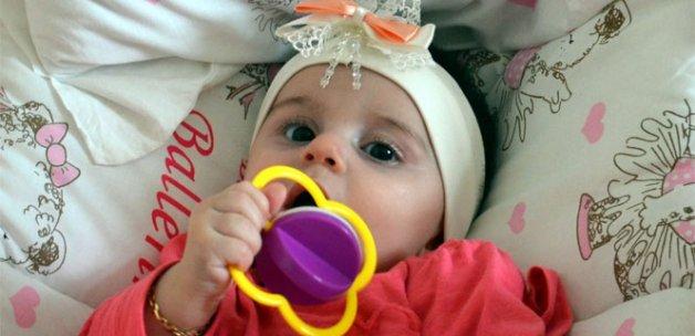 Zeynep bebek, yaşamını tek kolu ile sürdürecek