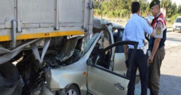 Ankara'da feci kaza: 3 ölü, 1 yaralı