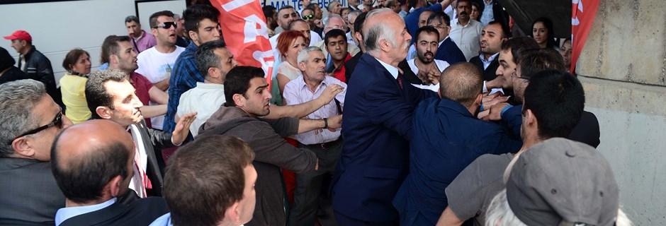 CHP'lilerden Kılıçdaroğlu'na mermi protestosu
