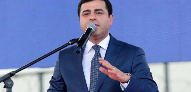 Demirtaş'tan Cumhurbaşkanı'na ağır hakaret!
