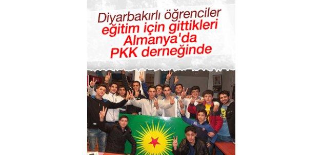 Diyarbakırlı öğrencilerden Almanya'da PKK'ya ziyaret