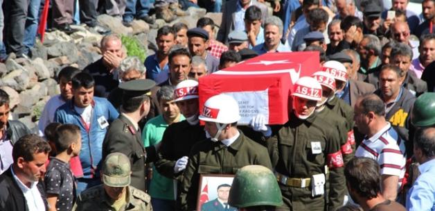 Erzurum Ramazan'ın ilk gününde şehidine ağladı