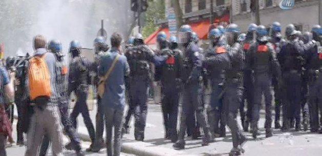 Fransa'da protestocular polisle çatıştı
