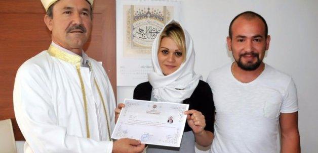 Hristiyan Özbek kızı Müslüman oldu