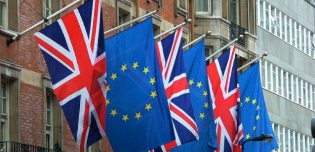 İngiltere'ye referandum sonrası bir şok daha