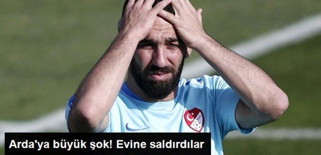 İspanya Maçı Sonrası Arda Turan'ın Evine Yumurta Atıldı