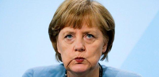 Merkel'den İngiltere açıklaması: Çirkinleşmeyelim