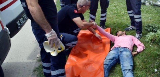 Midibüs kamyonete çarptı: 19 yaralı