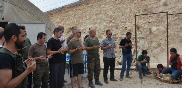 Nusaybin'de görevli asker ve polisler için kurban kesildi