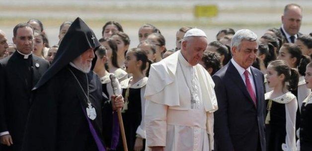 Papa Ermenistan'da ağız değiştirdi