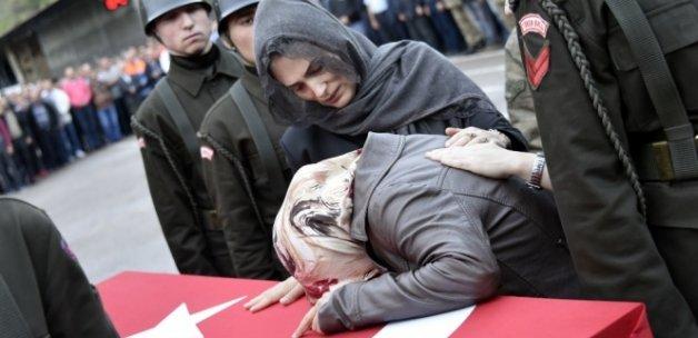 Şehit Uzman Çavuş'un cenazesi memleketine uğurlandı