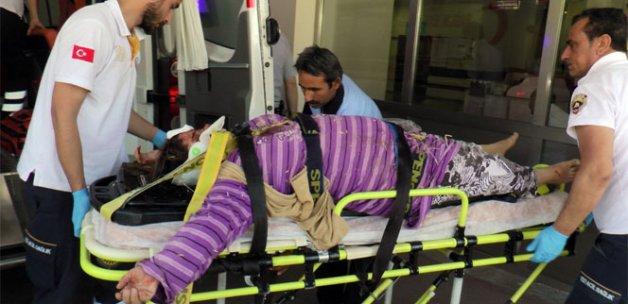 Tarım işçileri kaza yaptı: 2 ölü, 25 yaralı