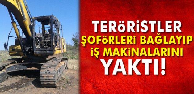 Teröristler şoförleri bağlayıp, iş makinalarını yaktılar