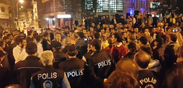"""""""Türk Bayrağı Yakıldı"""" İddiası İlçeyi Ayaklandırdı"""