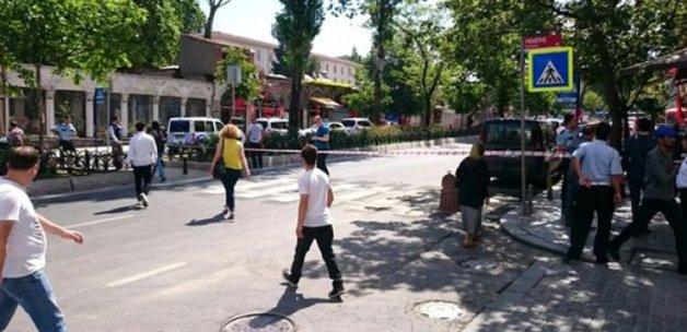 Vezneciler'de bomba alarmı: Trafiğe kapatıldı!