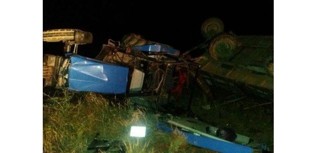 Ağrı'da traktör devrildi : 9 yaralı!