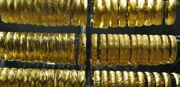 Altın 200 liranın altına geriledi