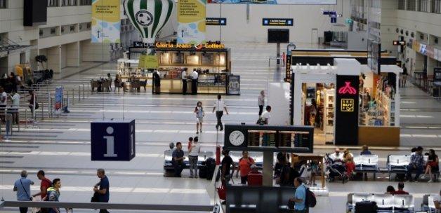 Antalya Havalimanı'nda Rus kaybı 1 milyonu geçti