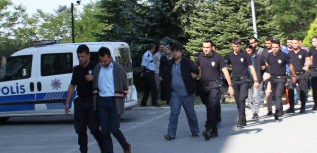 Askeri lise sorularını sızdıran 18 FETÖ'cü tutuklandı